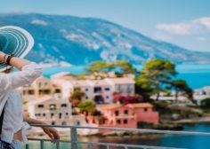 https://sezon.gr/wp-content/uploads/2020/04/tourist-woman-sezon-greece-236x168.jpg